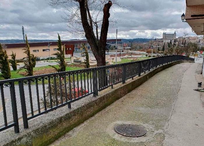 El Ayuntamiento de Toledo mantiene los trabajos de adecuación de diferentes espacios públicos de la ciudad