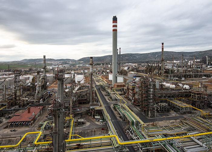 Repsol construirá en Puertollano la primera planta de reciclado de espuma de poliuretano en España
