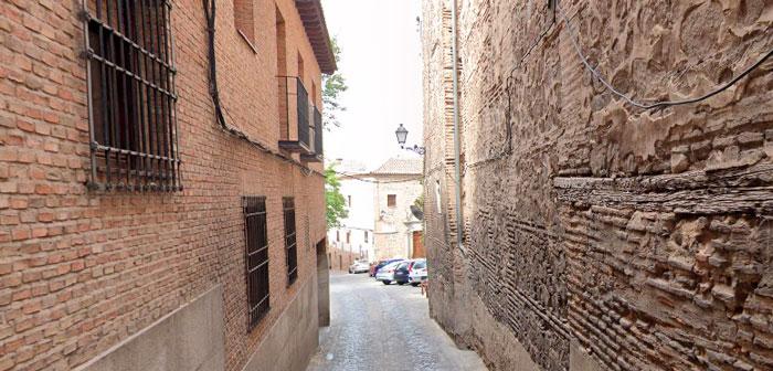 La calle Real cortada al tráfico para concluir las obras de mejora de la red de saneamiento en la calle Carmelitas Descalzas
