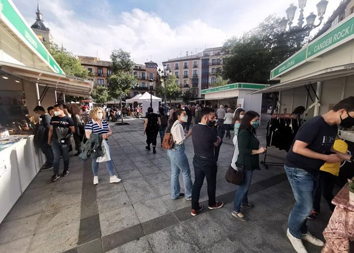 """Toledo cierra una Feria del Libro """"muy exitosa"""" en un fin de semana marcado por el fin del estado de alarma y la llegada de visitantes"""