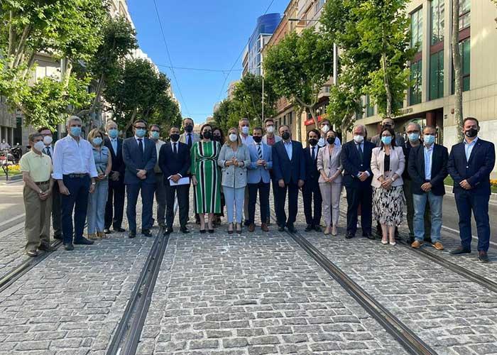 El Ayuntamiento de Jaén y la Junta firman el nuevo convenio para la puesta en marcha del sistema tranviario