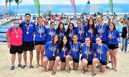 Getasur consigue el bronce en la Copa de España juvenil femenina de balonmano playa