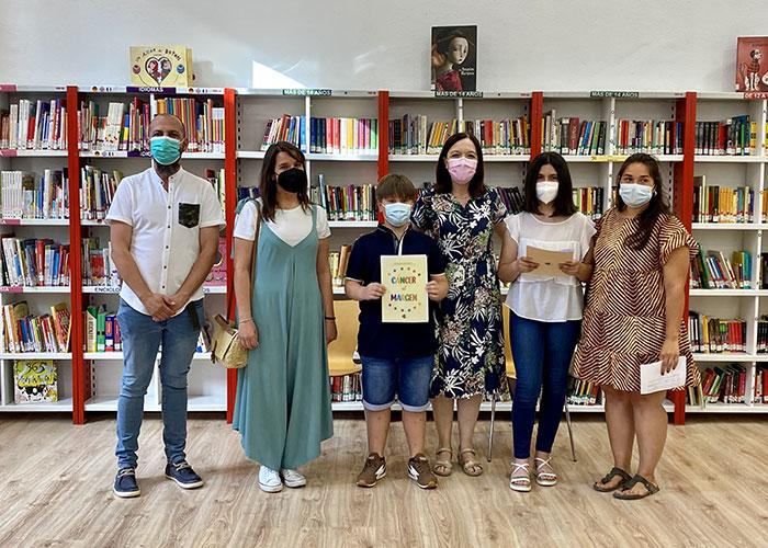 """Los cuentos del proyecto """"+ Vida + Saludable"""" para la prevención oncológica en el ámbito escolar, se exponen en la Biblioteca Infantil de Alcázar"""