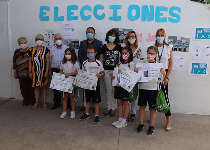 La AECC y el Ayuntamiento premian las recetas saludables del alumnado