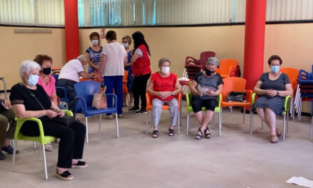 El Patronato de Asuntos Sociales destaca el papel de los centros de participación y su personal en su apoyo al envejecimiento activo de más de 640 personas de la ciudad