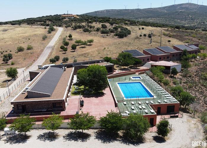 El albergue Puerto Vallehermoso retoma su actividad de mano de Nautiaventura