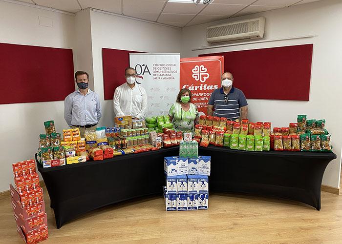 Los Gestores Administrativos colaboran en una campaña de recogida de alimentos y productos de higiene
