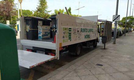 El uso del punto limpio móvil del Ayuntamiento ha permitido el correcto tratamiento de 5.121 residuos de todo tipo en la primera mitad del año