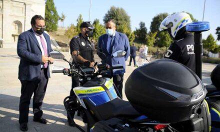 El consejero de Interior felicita a la Policía Local y a Protección Civil de Boadilla, el municipio más seguro de Madrid