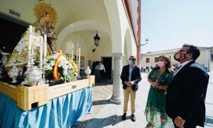 La alcaldesa participa en la Ofrenda Floral en honor a la Virgen de la Consolación
