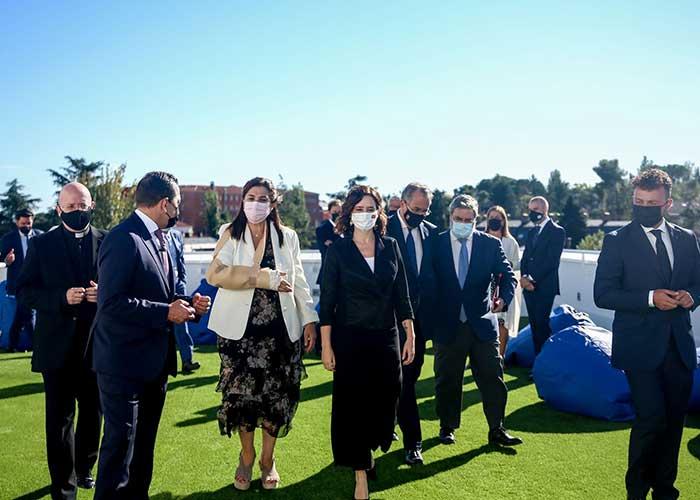 Ayuso y Pérez Quislant asisten a la inauguración del campus Juan XXIII ESIC que abre sus puertas en la ciudad