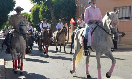 La última mañana de Feria se despide con el desfile de la peña equina Rocinante