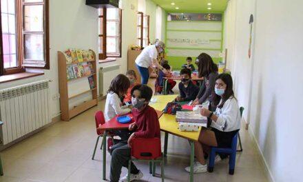 La Ludoteca Municipal Regaliz abre sus puertas en el Centro Cívico Los Devis